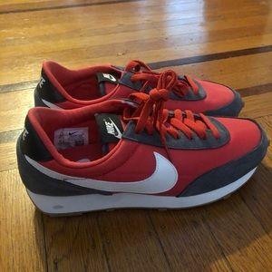 NEW Nike women's Daybreak red gray sneaker 8.5 8
